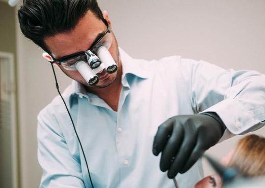 Dr Navid Salehi Zahnzentrum Dentalnord 02