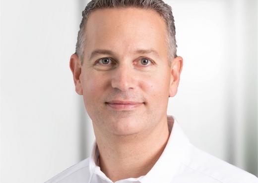 Dr med dent Tobias Locher