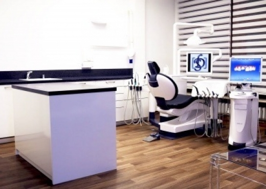Zahnarztpraxis Saga Dent 03
